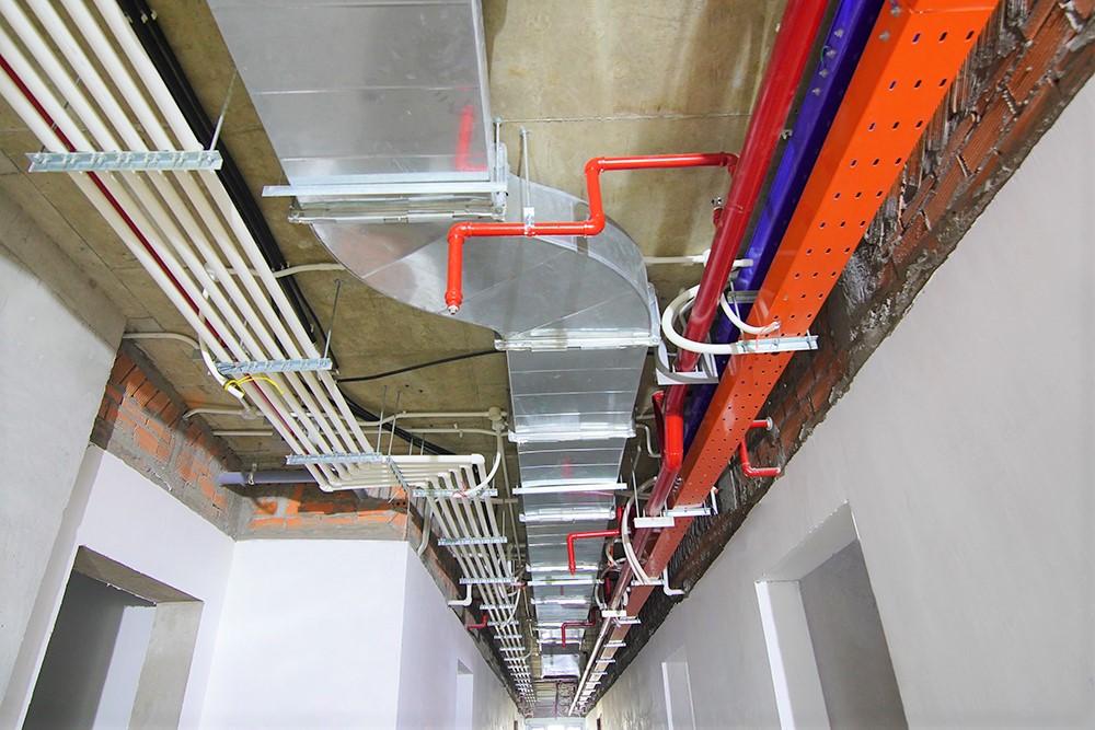 Thi công hệ thống M&E hành lang tầng 34 Block Mercury và Block Uranus